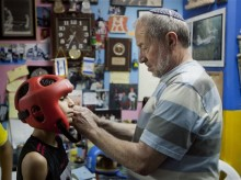Jerusalem boxing club brings together Jews, Arabs