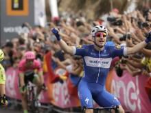 Dennis nabs Giro pink jersey, Viviani takes 2nd stage