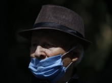 Israeli survivors remember Holocaust amid virus quarantine